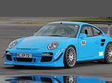 Porsche hellblau foliert mit Car Wrapping von HplusB Design