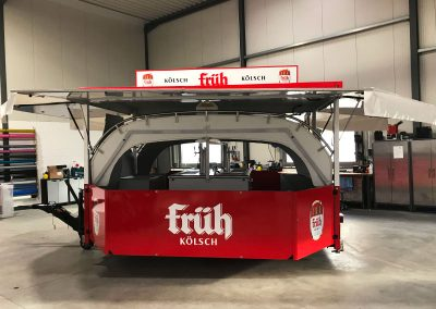 Folienbeklebung für Getränkewagen FRÜH Kölsch in rot