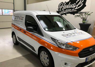Dreiviertelansicht Seitenansicht Autofolierung für KFZ der Firma Eichholz Haustechnik in Monheim