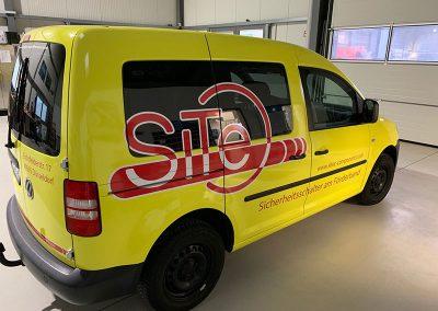 HplusB-Design-Autobeschriftung-Autowerbung-Site-Sprinter-gelb-seitlich