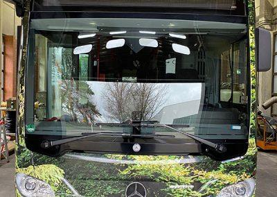 Frontansicht Linienbus mit individueller Vollfolierung Froest Bus