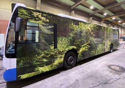 Forest Bus der Stadt Monheim, foliert von HplusB Design mit Wald-Motiv