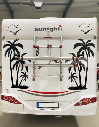 HplusB-Design_Wohnmobil-Wohnwagen-foliert-Palmen-Aufkleber