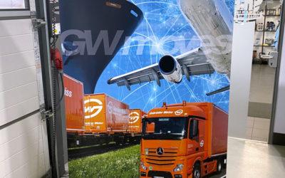 Roll-up-Display Gebrüder Weiss – Transport und Logistik