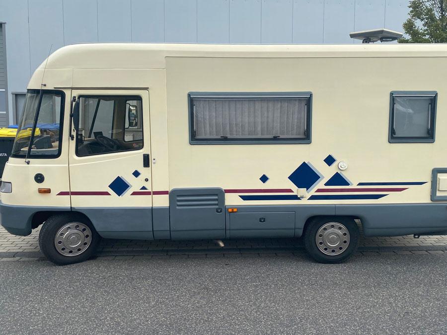 Ducato Wohnmobil vor der Vollfolierung seitlich